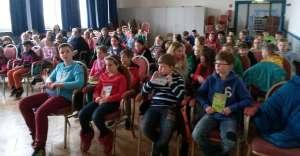 Teilnehmer/innen und Publikum