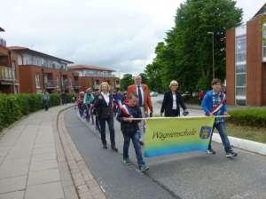 Bannerträger und (erw.) Schulleitung
